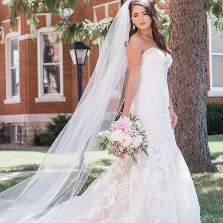 Wedding Gowns Outlet: Bridal Shop In Ohio